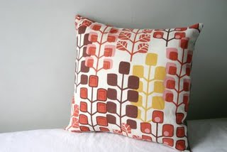 Sparkle Power - Removable Pillow Cover