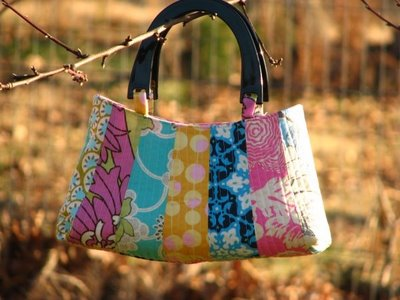 Quality Time - Dresden Petal Handbag